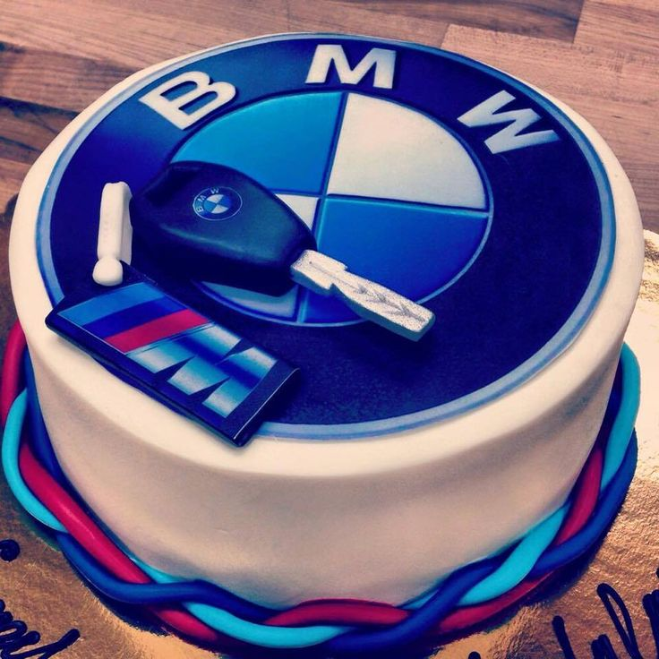 Now THIS is our type of cake! #BMW