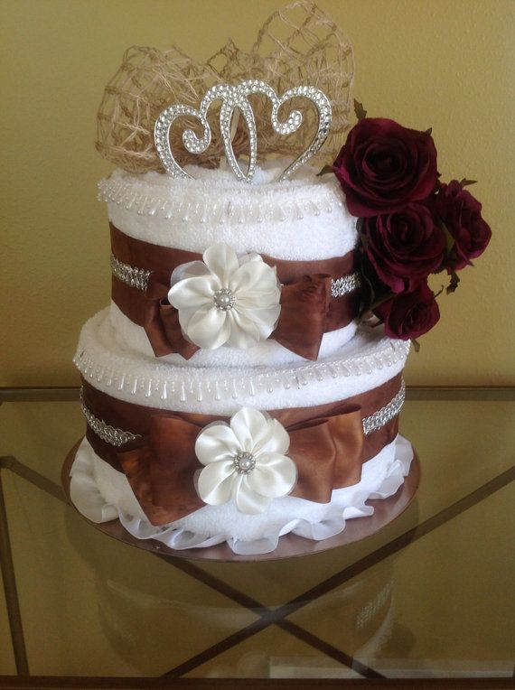 how to make a wedding cake out of towels