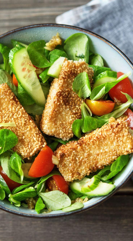 Rezept: Hirtenkäse in Sesamkruste, Salat mit Mango und Kirschtomaten Kochen / …   – Sommer – Salate | Frische Rezepte