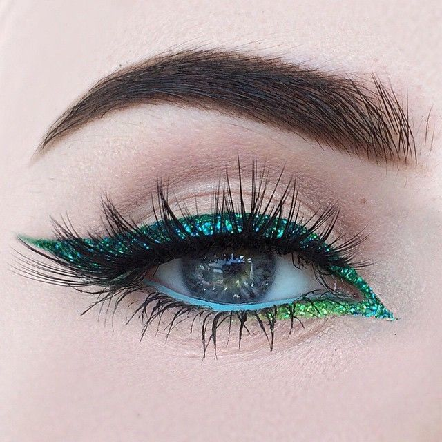 Spring in SPRINGING! Check out incredible eye look by @beautybypaisley (official Lit promoter)!!! She used @LitCosmetics #glitter in Peacock (Rich Blue-Green) and Green Machine (cool Neon Green) to create this gorgeous gradient liner! Absolutely stunning! ✨✨✨ Get TWO free glitters with your Lit at Sephora purchase! Check beauty on the fly for your limited edition Lit Kit, then send your proof of purchase to sparkles@litcosmetics.com to receive your free glitters! C