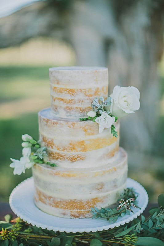 WEDDING CAKES: Love in a Cake (NSW Australia) / View more on The LANE