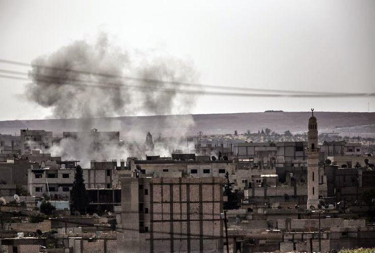 """ΤΟ ΚΟΥΤΣΑΒΑΚΙ: Κούρδοι της Συρίας: Οι αεροπορικοί βομβαρδισμοί τω... Η οργάνωση το """"Ισλαμικό κράτος"""" μετά την έναρξη των βομβαρδισμών από την Δύση άλλαξαν τις τακτικές τους και έχουν μάθει να τους αποφεύγουν Τώρα οι βομβαρδισμοί δεν φέρνουν κανένα αποτέλεσμα, διαβεβαιώνουν οι Κούρδοι της Συρίας. Την αναποτελεσματικότητα των αεροπορικών βομβαρδισμών την επεσήμανε και ο στρατός των ΗΠΑ. Εν τω μεταξύ οι μάχες έχουν μετακινηθεί κοντά στα σύνορα με την Τουρκία."""