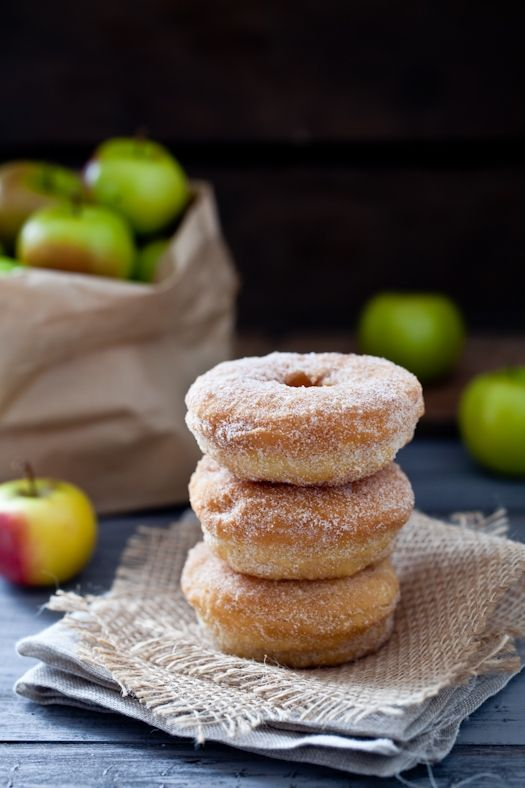 baked donuts never looked this good! (bonus: rings of sliced apple are placed whole inside!)
