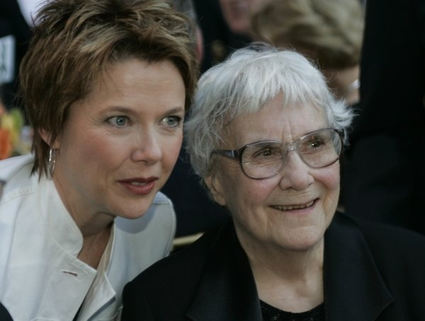 Harper Lee sues literary agent over 'To Kill a Mockingbird' rights. (via @Los Angeles Times)