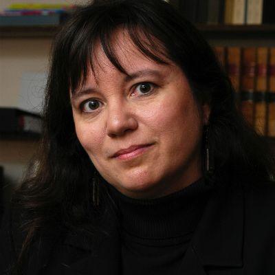 Interview: Nathalie Vézina - Professor at Université de Sherbrooke @ http://www.lawyr.it/index.php/articles/interviews/item/53-interview-nathalie-vezina-professor-at-universite-de-sherbrooke