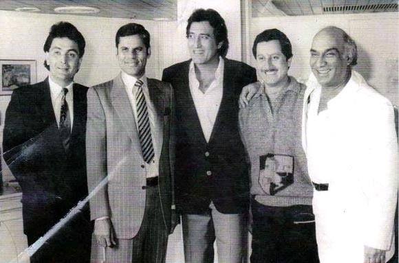 "my-hindi-alma: "" Rare picture of Rishi Kapoor, T. Subbarami Reddy, Vinod Khanna, Anupam Kher & Yash Chopra during Chandni. """