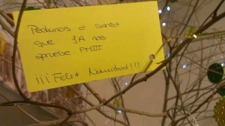 Deseos del árbol navideño solidario de la Biblioteca General y de Humanidades de la ULL. Navidad 2016