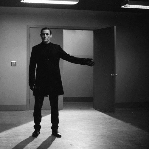 """Продолжаю спасать всякое из архивов Sirickss. Торчвуд, само-собой, конец первого сезона: [изображение] [изображение] [изображение] Роскошнейший Траск из """"Мести"""": [изображение] Увы - ... — всякая всячина"""