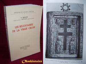 Les reliquaires de la Vraie Croix.: FROLOW ( Anatole )- 7) ABBAYE STE-CROIX, POITIERS: La partie centrale était protégée par les volets à l'extérieur à une croix centrale et ornés aux coins de cavités pour les reliques. Philippe Verdier se fait écho des doutes d'Anatole Frolow quant à la datation du VI°s du reliquaire de Poitiers et à l'identification de la relique avec celle qui, selon la tradition, fut offerte à Radegonde de Poitiers par l'empereur Justin II.
