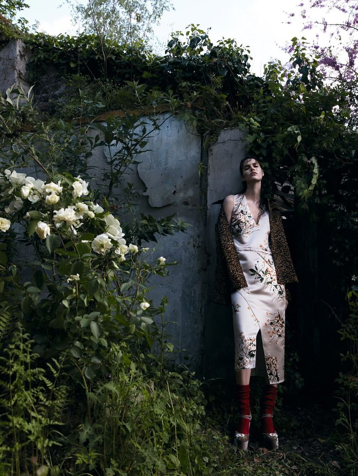 wild garden: vanessa moody by camilla akrans for vogue china august 2016  | visual optimism; fashion editorials, shows, campaigns & more!