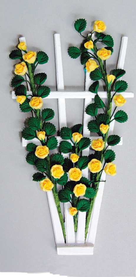 Mini flower trellis made with... chopsticks! Project featured in issue 107 of American Miniaturist Magazine: Rose, Miniatures Flowers, Flowers Trellis, Dllhous Flowers, Minis Flowers, Dollhouses Flowers