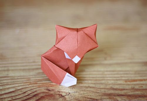 Cute origami fox. Folded by Jessica Jones, designed by Daniel Chang and diagrammed by Marc Sky.