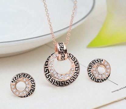 Ornamento lindamente pintado Diamante Conjunto de jóias em ouro rosa Conteúdo: colar + brincos ENTREGA DE 25 A 50 DIAS