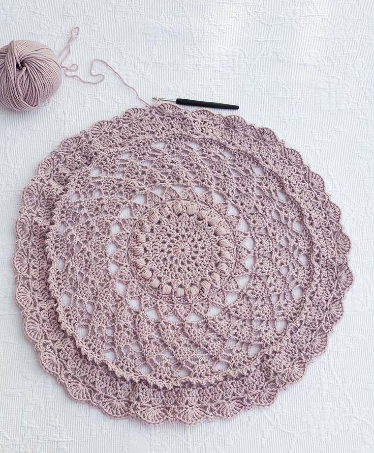 Wir häkeln eine Kreisweste. Hier kommt die kostenlose Anleitung für Teil drei unseres Kreisweste Crochetalong.