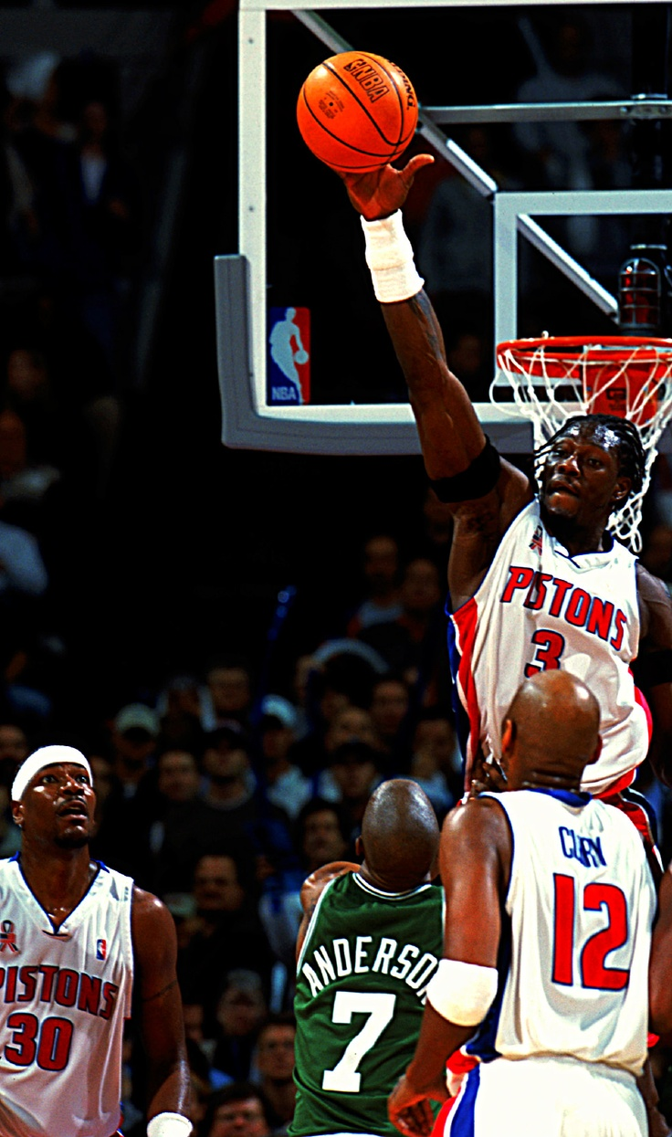 Ben Wallace, my favorite shot blocker.