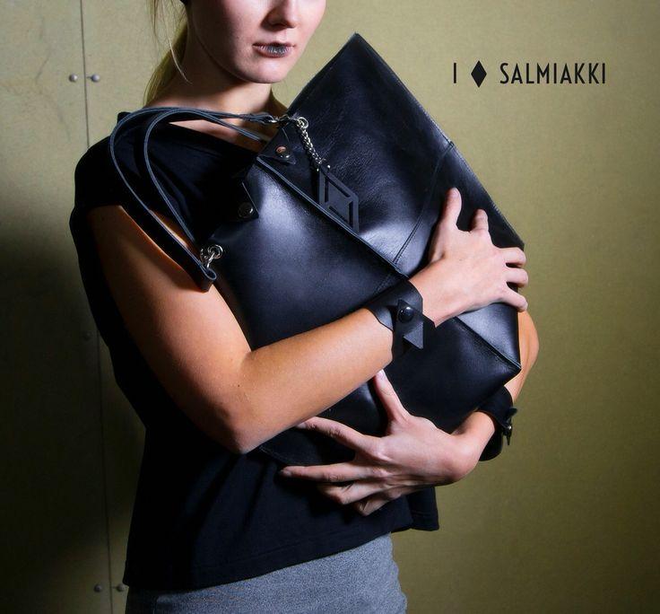Salmiakki Manifesto leather tote bag