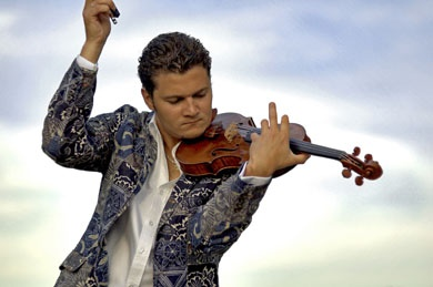 VIOLIN FIREWORKS Sinfonia Toronto concert on April 12 with violinist Alexandre Da Costa has sold out.