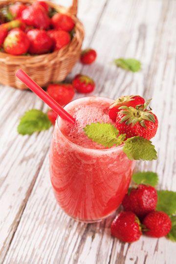 On se laisse tenter par le Morango Doce, un cocktail rafraîchissant à la #fraise et au Jus d' #Orange Fruité. Consultez la #recette sur http://www.fruite.fr/recettes/cocktail-morango-doce/