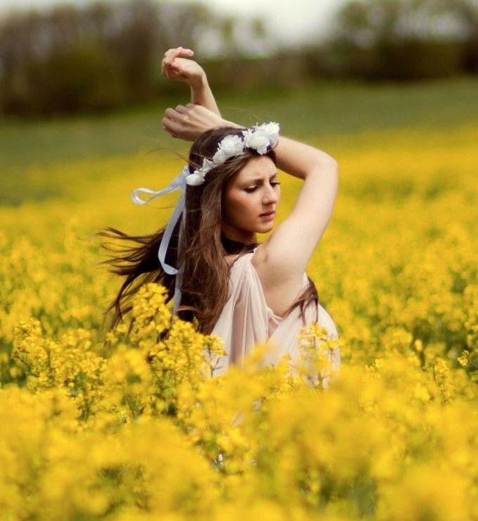 5 Ide Berpose Cantik Di Depan Kamera