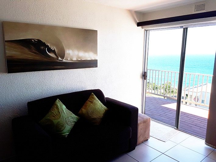 34 Cascades (Self-Catering) in Umdloti, Durban - Sleeps 2. Tidy, neat apartment with incredible Sea Views, secure complex in Umdloti Village.  A fully equipped kitchen.