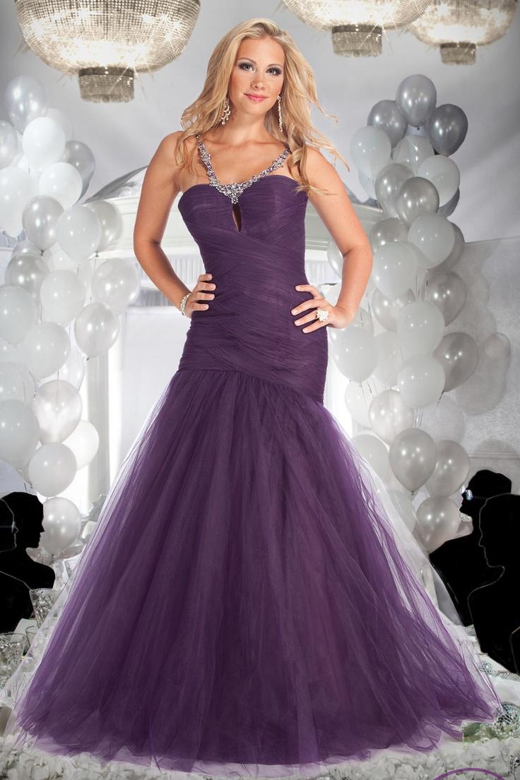 36 best Red Wedding Dress images on Pinterest | Wedding frocks ...