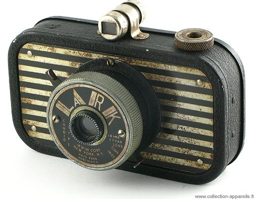 Irwin Lark 'sardine can', 1940 Collection Appareils is an incredibly vast online archive of more than 10,000 cameras spanning the history of analog photography. Each camera in the archive is accomp...