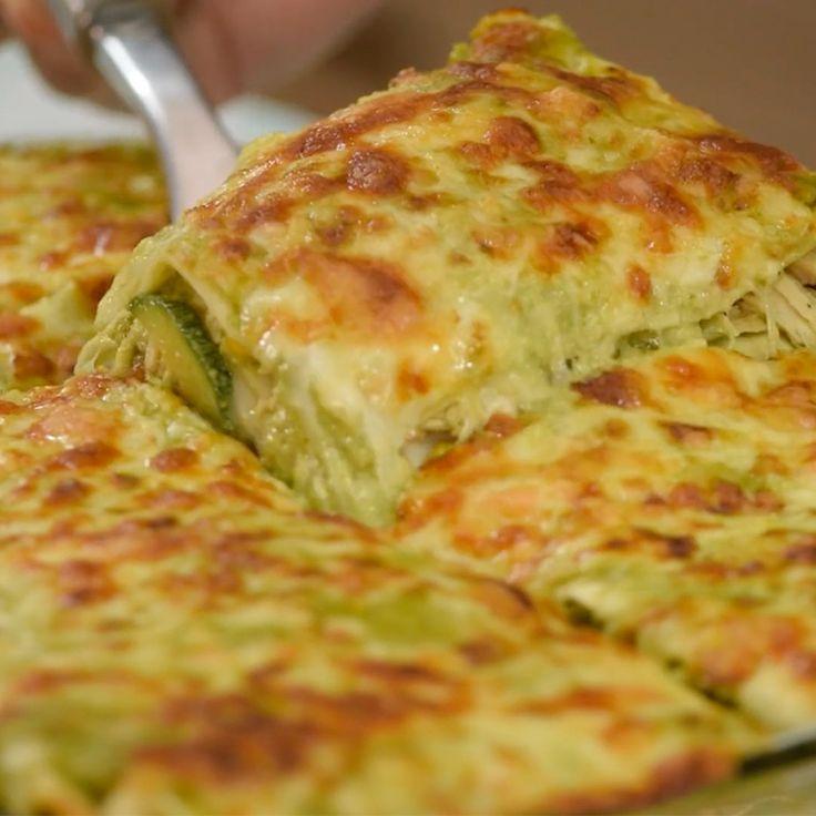 Receta de lasaña poblana. Esta receta es espectacular, a todos les encantará probar una delicia con toque mexicano, es super fácil de preparar.