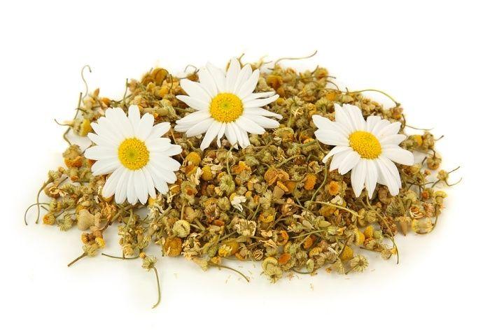 Gesichtsmake Rezept aus Heilerde, Kamillen-Tee , Naturhonig und Zitronensaft