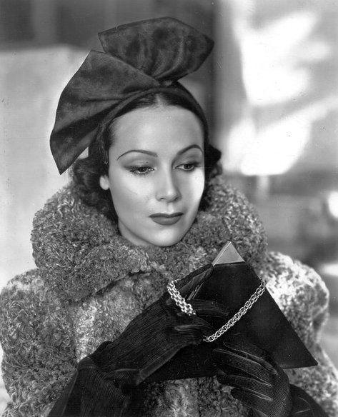 Exquisite. Dolores Del Rio, 1937.
