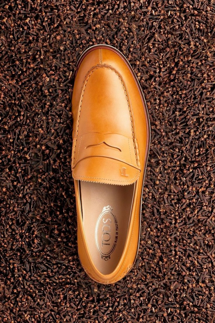 MEN'S FOLIO INDONESIA TOD'S SHOES styled by Herdiana Surachman