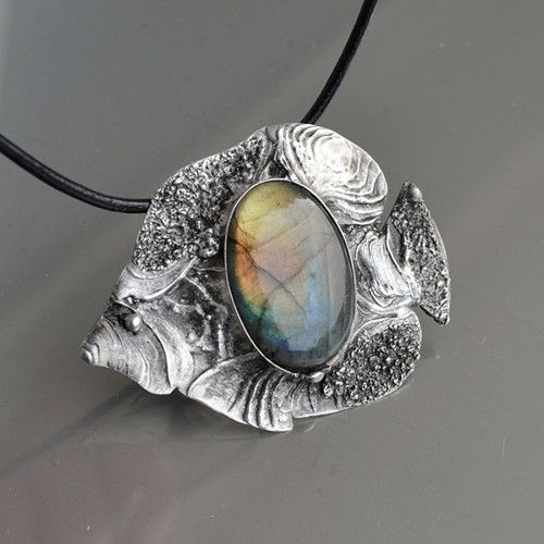 Jewellery Necklace Broche Labradorite and a mixture of metals