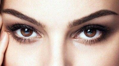 УХОД ЗА КОЖЕЙ ВОКРУГ ГЛАЗ Кожа вокруг глаз очень тонкая и нежная. Именно с этой области обычно начинают образовываться ... Салон Красоты - Мой Мир@Mail.ru