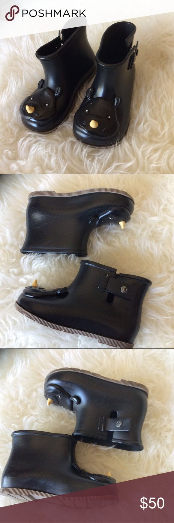 Girls size 10 mini Melissa rhino rain boots GUC mini Melissa htf rhino rain boots black. Size 10 girls rubber boots. Mini Melissa Shoes Rain & Snow Boots