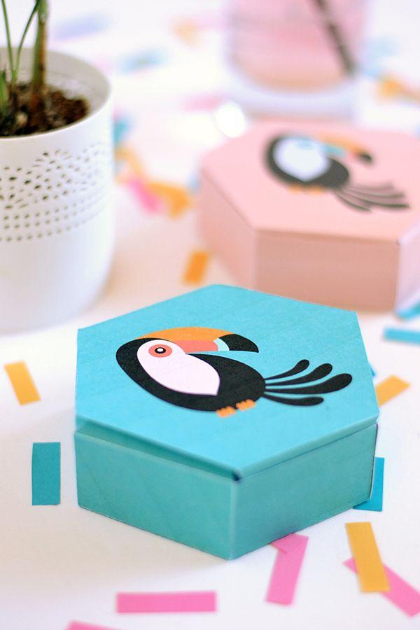 Zelfmaak doosje met Toekan - Knutselen met kinderen - DIY toucan gift boxes with free printable - Make and Tell