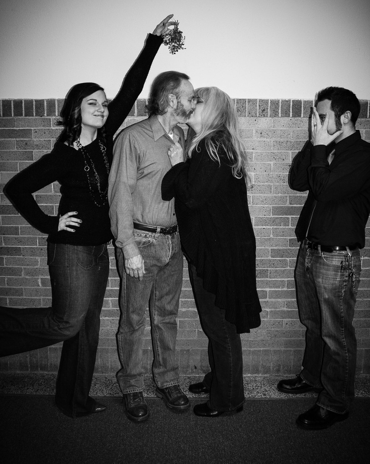 Christmas photo shoot with these two awesome couples!