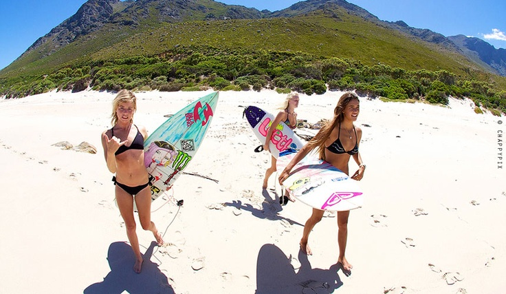 Tarryn Chudleigh, Tanika Hoffman and Lisa Mace loving life in the Boland.