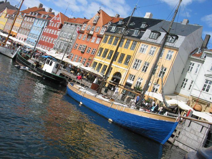 Deense mode en design veroveren de wereld, chef-koks zijn van topniveau. Een dagje in de Deense hoofdstad: Kopenhagen.