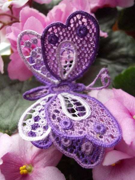 Actually needle lace, not crochet, but this is gorgeous. I need to learn how to do this! pjc