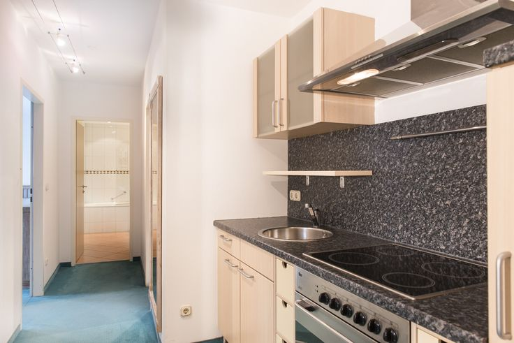 There are also two hotel apartments available on the top floor. Measuring 68 and 80 square metres respectively, these apartments offer the added luxury of a fully equipped kitchen, a stereo system and two telephones.