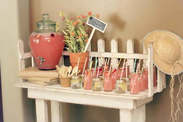 garden themed baby shower. Drink Station www.bridgeywidgey.com