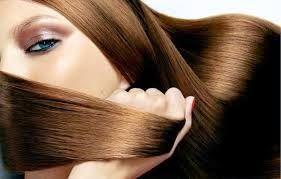 Μια πανεύκολη συνταγή ομορφιάς για να μακρύνουν ευκολότερα τα μαλλιά σου και να μειωθεί η ψαλίδα… Θέλεις μακριά, λαμπερά και λεία μαλλιά χωρίς ψαλίδα; Έχουμε μοναδικό «ελιξίριο» για να τα καταφέρεις (χωρίς να ξοδευτείς!) Το μόνο που θα χρειαστείς είναι: αμυγδαλέλαιο, καστορέλαιο και αιθέριο έλαιο δεντρολίβανου! Υλικά: 200ml αμυγδαλέλαιο 40ml καστορέλαιο 30 σταγόνες αιθέριο έλαιο …