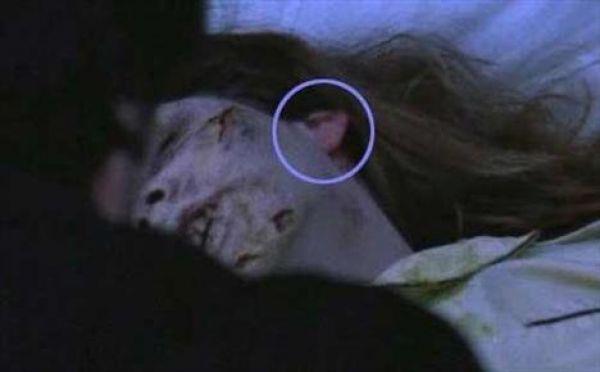 The Exorcist - makyajsız kulak