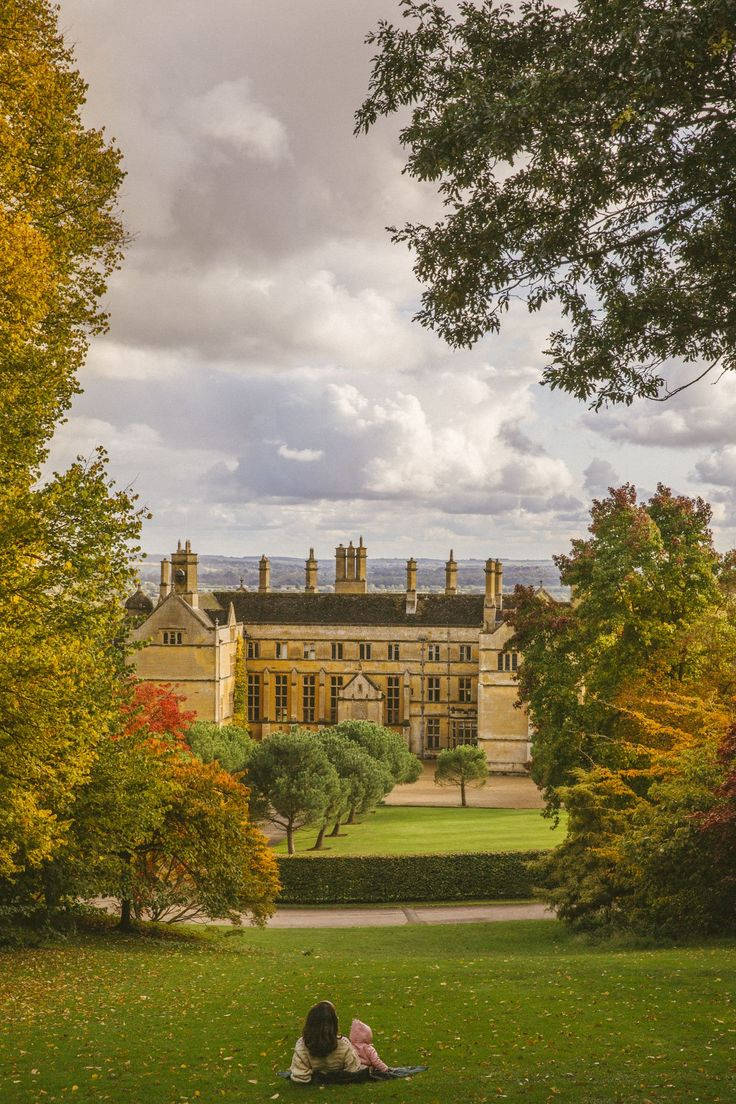 A Cosy Afternoon in The Cotswolds - The Londoner Places To Visit Uk, Places To Travel, Travel Destinations, Places Around The World, Around The Worlds, Voyage Europe, Weekend Fun, What A Wonderful World, Out Of This World