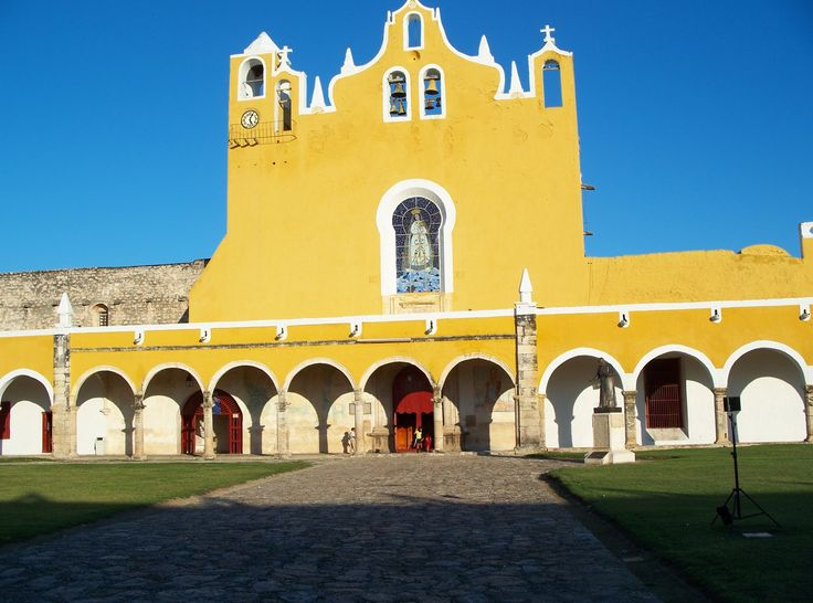 Facade of the convento of St. Anthony of Padua in Izamal