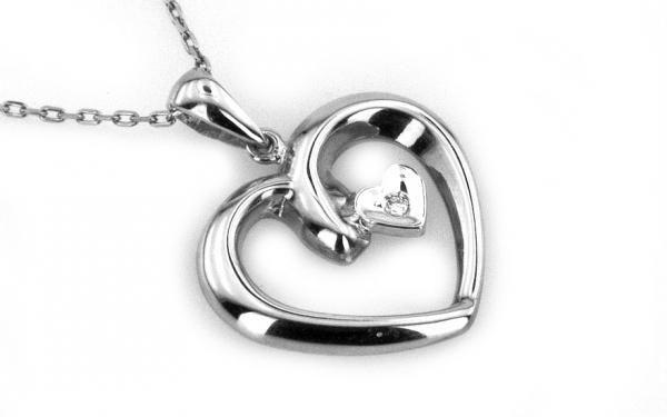 Prívesok srdce s diamantom v bielom 14 karátovom zlate