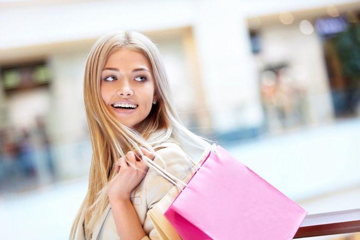 Распродажи в Риме 2016: зимние и летние скидки / В Рим на время сезонных распродаж стекается масса шопоголиков, в расчёте на приобретение первоклассной одежды за полцены. Рождественские (зимние) распродажи в 2016 году начинаются в Италии, а значит, и в[...]