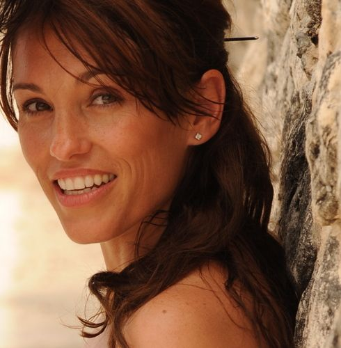 Amy Jo Johnson! Such a beautiful woman!