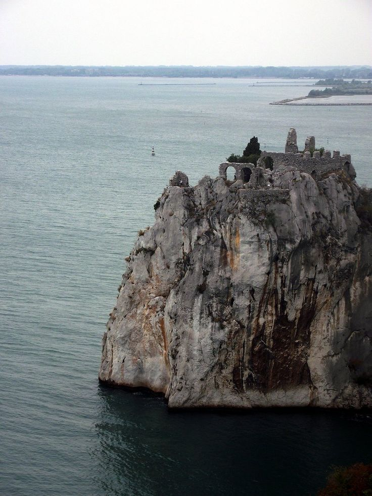 eccellenze-italiane:  Duino by MunevverAndac   Le Rovine del Castello di Duino   Provincia di Trieste