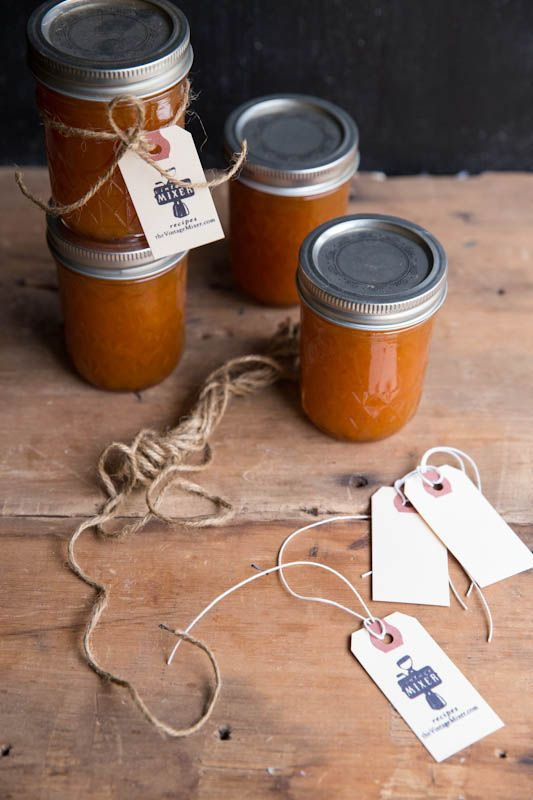 This jam is so dreamy… Maple Vanilla Apricot Jam Recipe • theVintageMixer.com