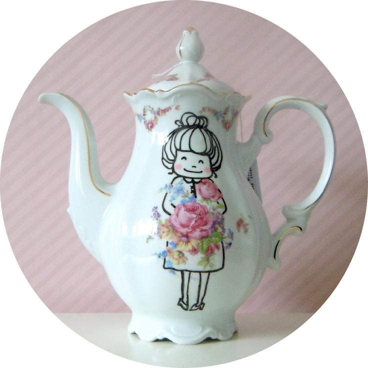 handpainted vintage teapot / coffeepot with grandma print by Bo designs - deborahvandevelde.blogspot.com